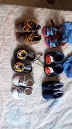 Vendo sapatos semi novos de bebê