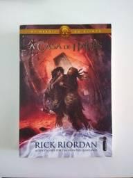 """Livro """"A Casa de Hades"""", coleção Heróis do Olimpo - por Rick Riordan"""