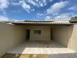 Casa 2 quartos com garagem coberta e excelente acabamento