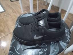 Vendo tênis Nike 37/38