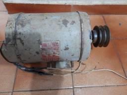 Motor WEG 1,5 cv