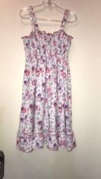 03 vestido cada 15 reais de 8 a 10 anos
