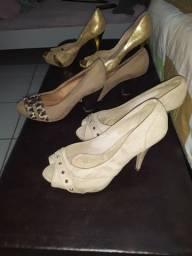3 pares de sapatos por 35 reais