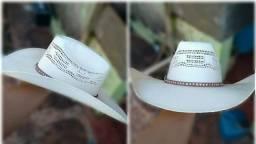 Chapéu unissex a venda