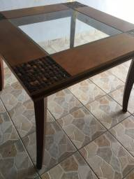 Mesa para 4 cadeiras, toda em madeira 1 linha