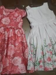 Vendo dois vestidos infantis  120,00.os dois!!!