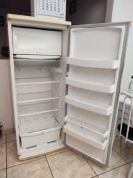 Refrigerador CCE 310 litros ( usado )