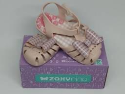 Vendo sandálias infantil Zaxynina