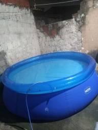 Vendo piscina  2,400 litros d'água