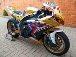 R1 2010 de pista.