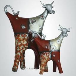 Par de Vacas Decoração Enfeite Escultura