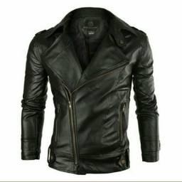 Jaqueta em couro super na moda!