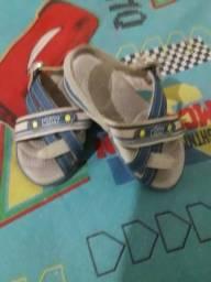 Vendo essa sandalia marca kidy