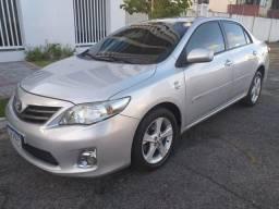 Corolla Diferenciado KM 83.000 Troco e Financio - 2013