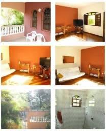 C042 - Casa confortável em bairro arborizado