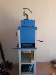 Máquina de chinelo automática completa