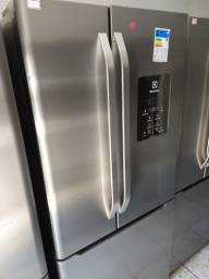 Geladeira Side by Side Electrolux DM84x