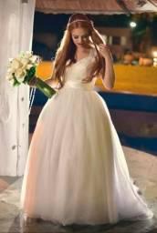 Vestido de noiva longo + curto + véu