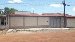 Casa prox. Av. Mamoré - Três Marias