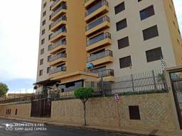 Apartamento à venda com 3 dormitórios cod:AP0108_EDER