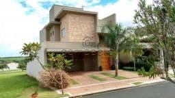 Casa de condomínio à venda com 3 dormitórios cod:V2202