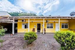 Casa com 3 quartos, 1 banheiro, à venda.