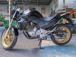 Moto CB 300