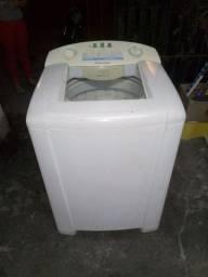 Lavadora de roupas Electrolux 12 kg bem novinha.