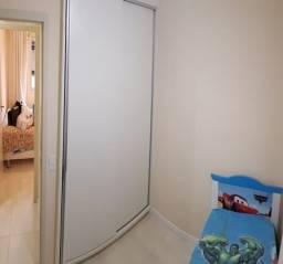 Apartamento com 3 quartos semi mobiliado no Fazendinha*