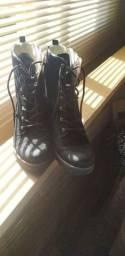 Vendo bota nova pouco usada em perfeito estado!