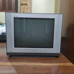 """Tv 21"""" LG, tela plana, tubo grande excelente imagem"""