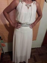 Vestido longo tamanho M. 30 reais