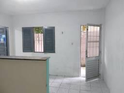 Kit-net - 1 quarto com banheiro, sala e cozinha conjugada no bairro da Pedreira.