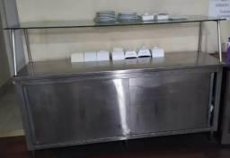 Armário em aço inox 304 com portas e bancadas
