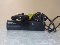 Vendo Xbox 360 bloqueado + HD 500gb