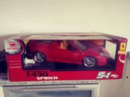 Carrinho controle Ferrari F 430 Spider. Nova na caixa