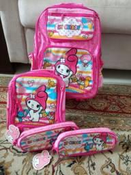 Kit escolar: mochila + lancheira + 2 estojos