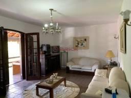 Casa independente com 3 quartos sendo 1 suíte na Barra do Imbuí.