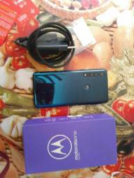 Vendo este Motorola one macro semi novo .