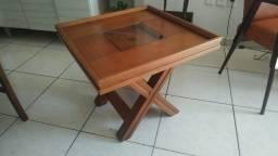Mesinha de canto ou de centro de madeira maciça
