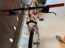 "Mountain bike GTS aro 29"", quadro 21""."