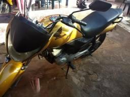 Vende-se Titan 150 completa. Fone: 99110-5390 - 2011