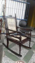 Cadeira de Balanço Palhinha