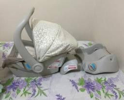 Bebê conforto com base para carro, unissex! bem conservado