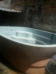 Vende-se piscina de fibra 6.500 litros