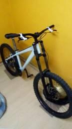Bike pra mtb - dirt ( dh rígido ) Da Bomb