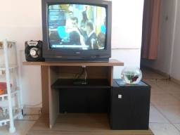 Rack + tv + conversor + antena