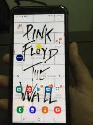 Celular Samsung J8 64gb acompanha capinha e película