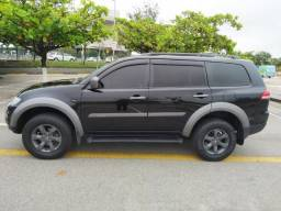Pajero Outdoor ( Dakar )Diesel 3.2 HPE 4x4 Automatica 2017 67000 kms oportunidade - 2017