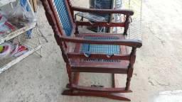 Cadeira antiga de balanço Massaranduba
